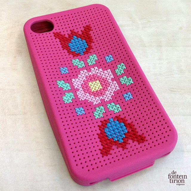 Iphone case geborduurd door by Petra