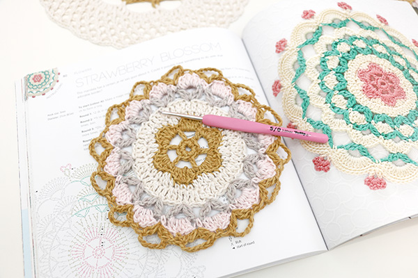 mandalas-to-crochet-jip-by-jan-01