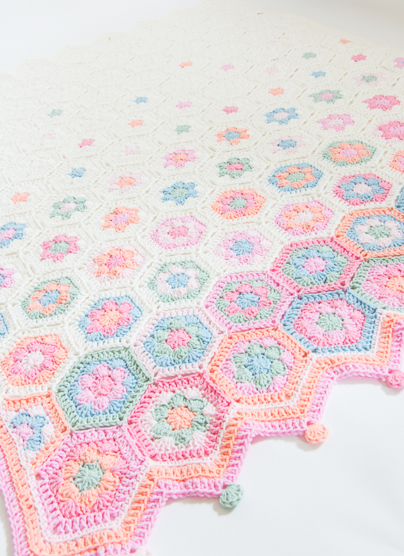 Nieuw gratis haakpatroon: hexagon babydeken in pastel