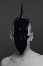 Rein Vollenga (NL): Sans Titre (Fin), 2011, Epoxidharz, 45x13x22 cm, Foto: Jonas Lindström