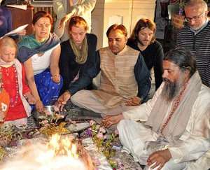 Yajna in Bobolin with Babaji and Dr. Partap (middle)