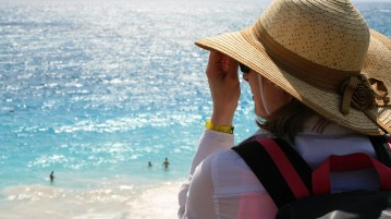 04 ways to avoid looking like a tourist on your next trip