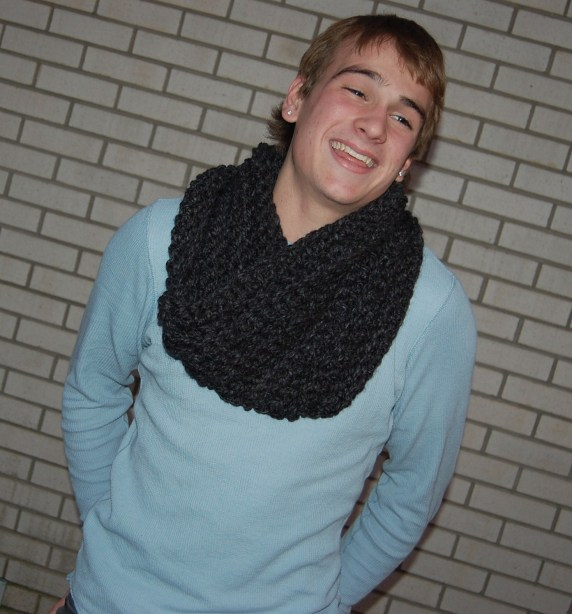 Evan - Crochet Cowl