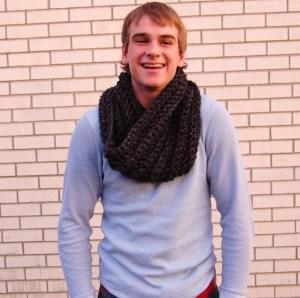 Evan - Crochet Cowl