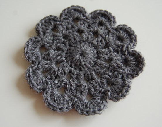 Crochet flower coaster pattern