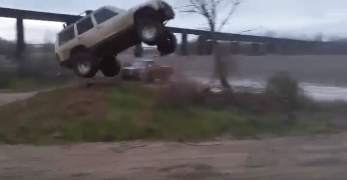 Jeep Cherokee Jump 2
