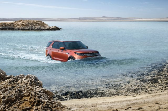 Land Rover Discovery Fording Water