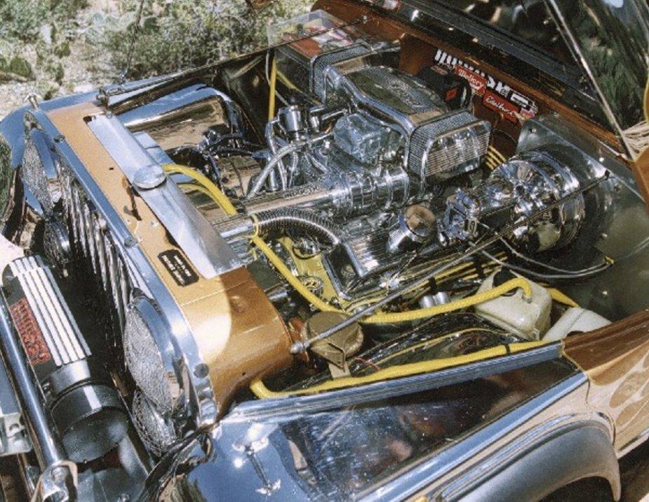 Custom 1982 Jeep Scrambler engine