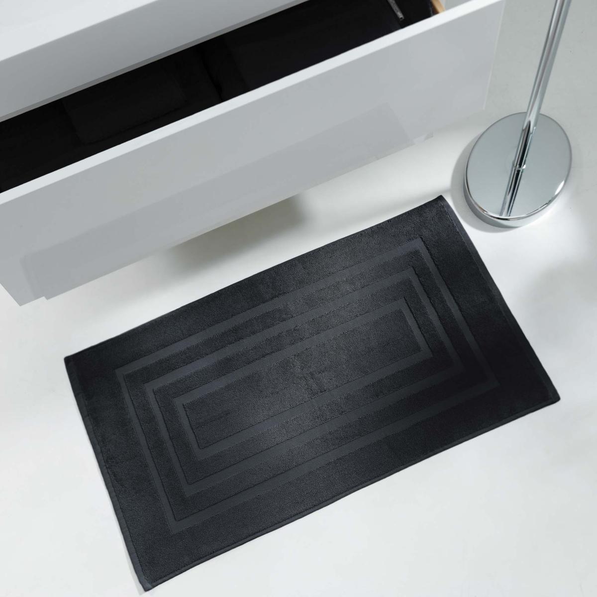 tapis de sortie de bain 50x85cm uni noir
