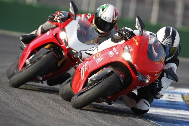 Ducati 1098 R Ducati D 16 RR