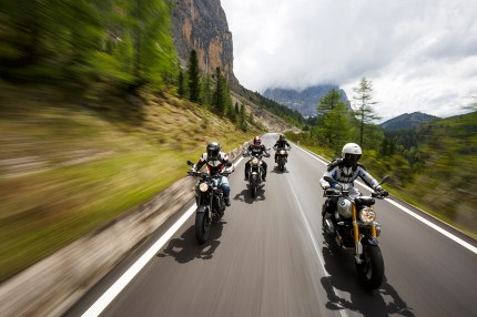BMW R nineT, Moto Guzzi V9 Roamer, Triumph Thruxton, Yamaha XSR900, Alpenmaster 2016, MRD, Dolomiten, Italien