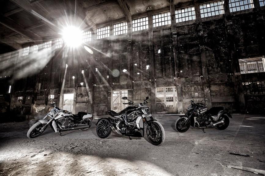 Ducati XDiavel S, Harley Davidson V-Rod, Yamaha Vmax, VT Muscel Bikes, MRD Heft 9/16, Berlin