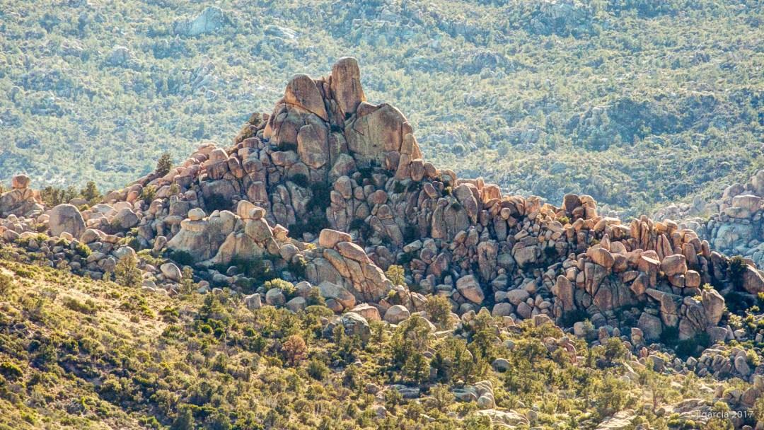 Montículo rocoso en el Jamau
