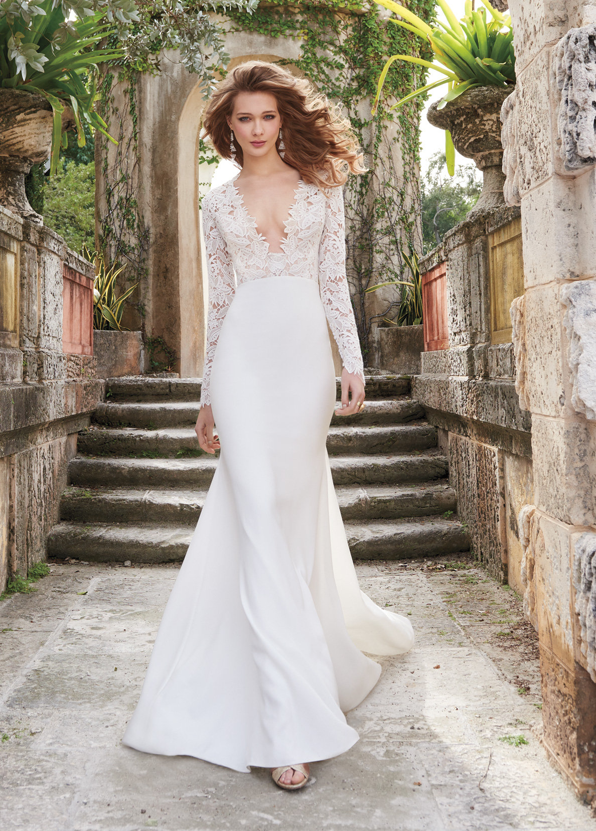 Long Sleeve Lace Sheath Wedding Dress