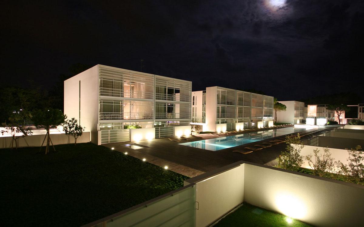 Jesolo Immobiliare Srl  Richard Meier discover The Pool Houses Jesolo