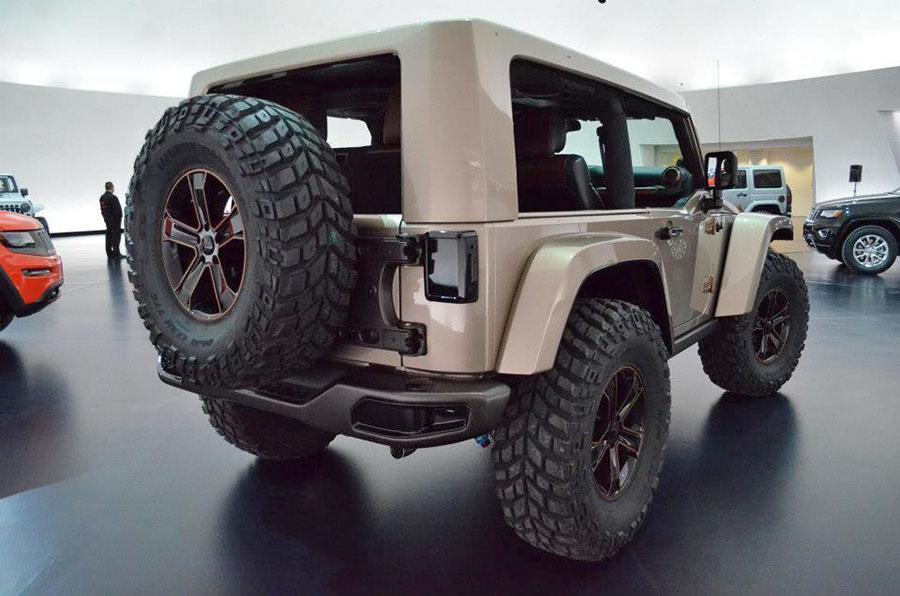 Half doors  soft windows  hard top Wrangler JL spotted  2018 Jeep Wrangler Forums JL  JT