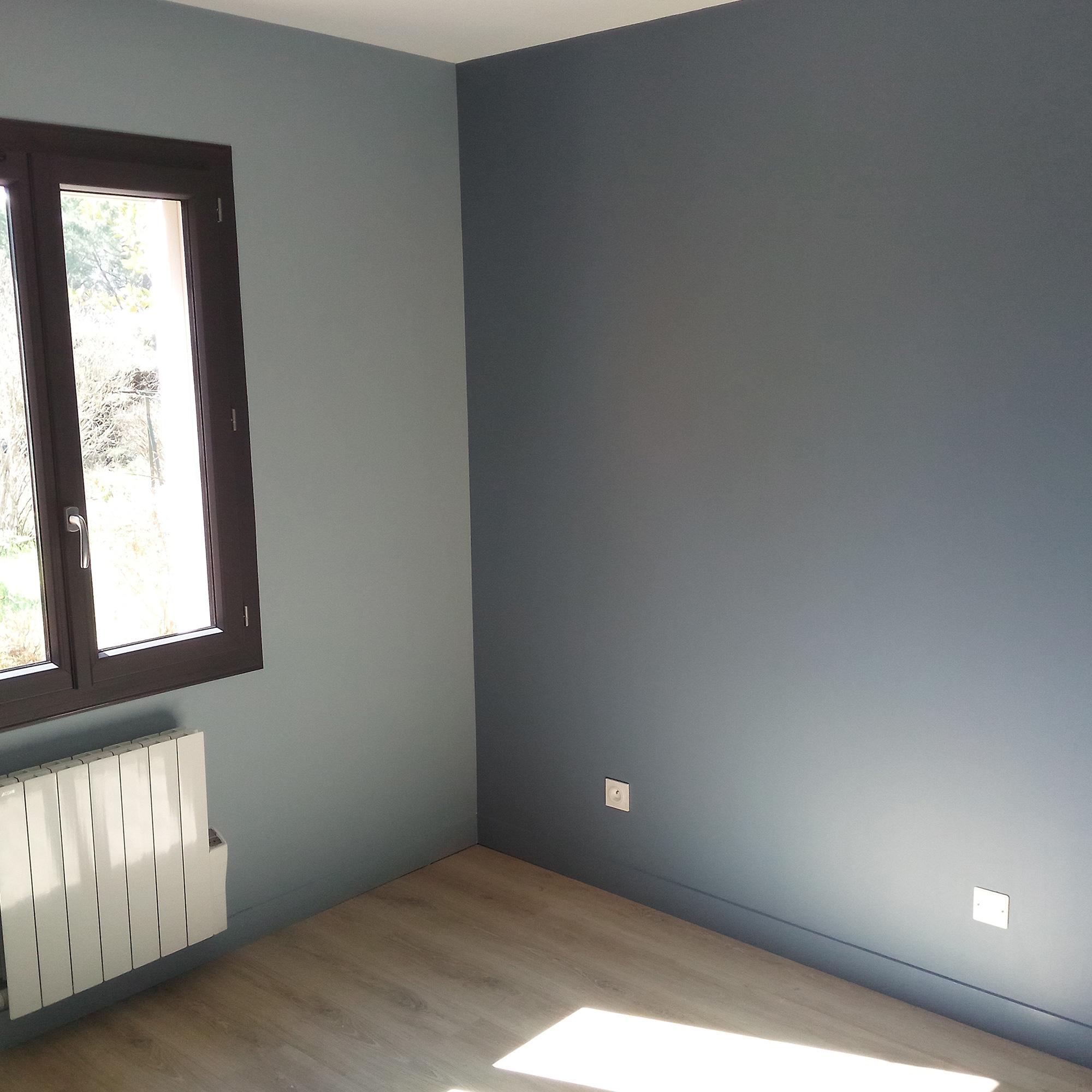Peintures mates pour murs et plafonds