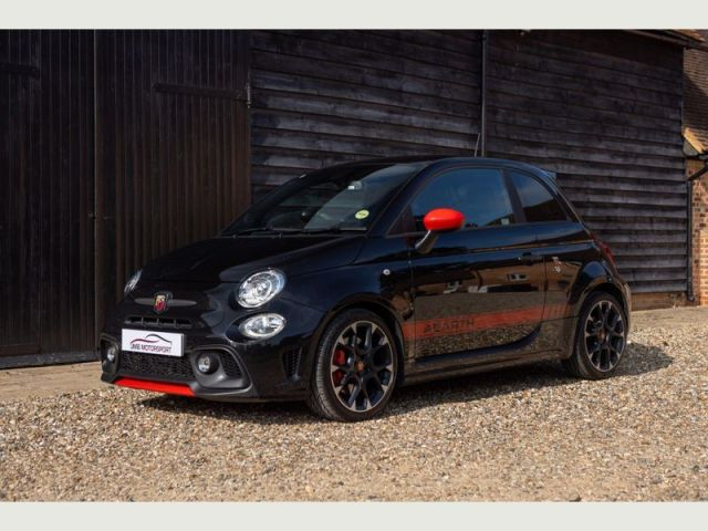 Abarth 595 Competizione – The little hatch with a big voice!