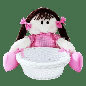 Boneca de Pano com Vestido Xadrez Rosa na Cesta de Vime Sintético