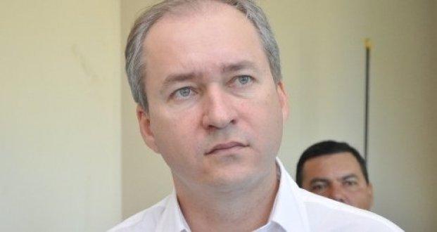 Amastha faz exonerações de novos secretários; vice pode estar entre os exonerados