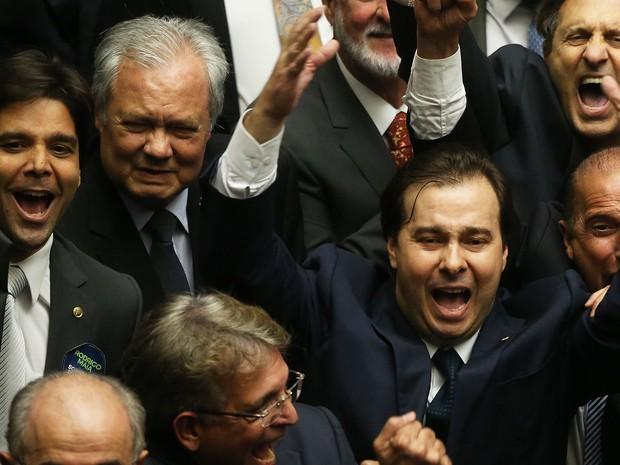 O deputado Rodrigo Maia (DEM-RJ), no momento em que foi eleito presidente da Câmara dos Deputados (Foto: André Dusek/Estadão Conteúdo)
