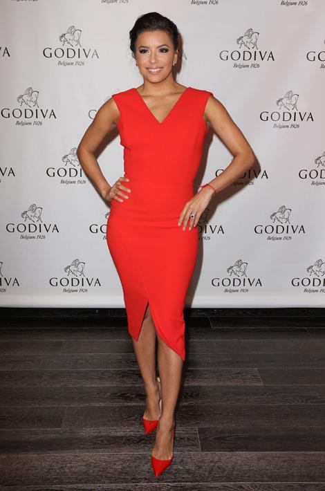 Eva Longoria Une Vraie Bombe En Total Look Rouge Blog