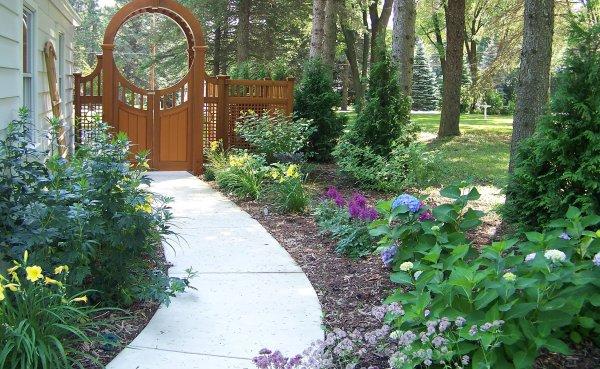 landscape design & build johnson's