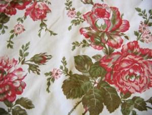 Rag Rug Rose Fabric | How to make rag-rug yarn from sheets and fabrics.