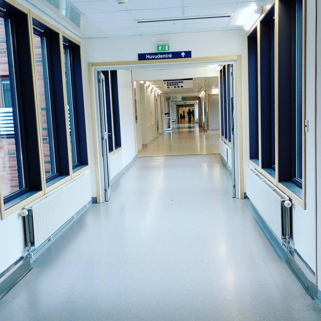 Att motionera i sjukhuset korridorer