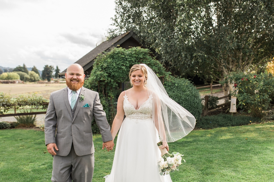 Photo of bride and groom at Hidden Meadows Farms wedding in Snohomish, a rustic yet elegant wedding venue near Seattle.   Joanna Monger Photography