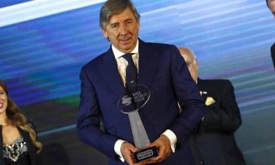 Eusebio Unzue recoge premio de mejor equipo del mundo
