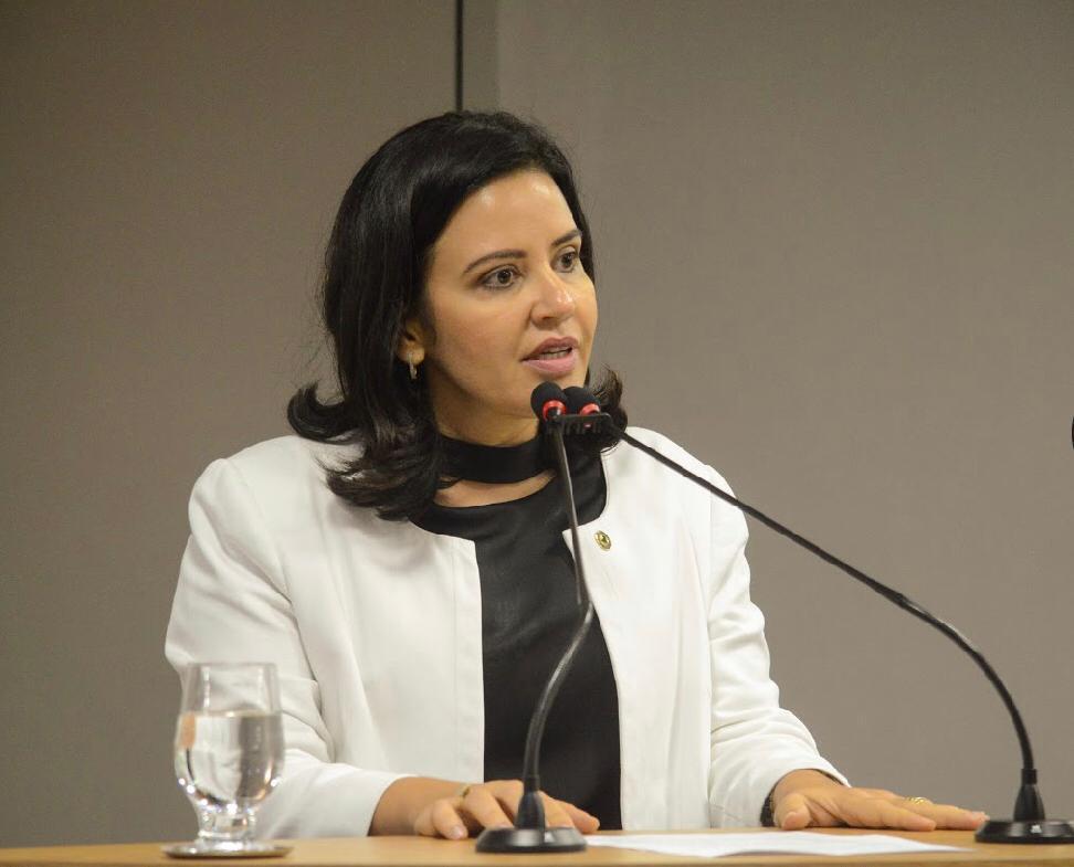 Compromisso: governo atende pedido de Pollyanna Dutra e anuncia recuperação da PB-323 Autorização da ordem de serviço foi divulgada nesta segunda (30)