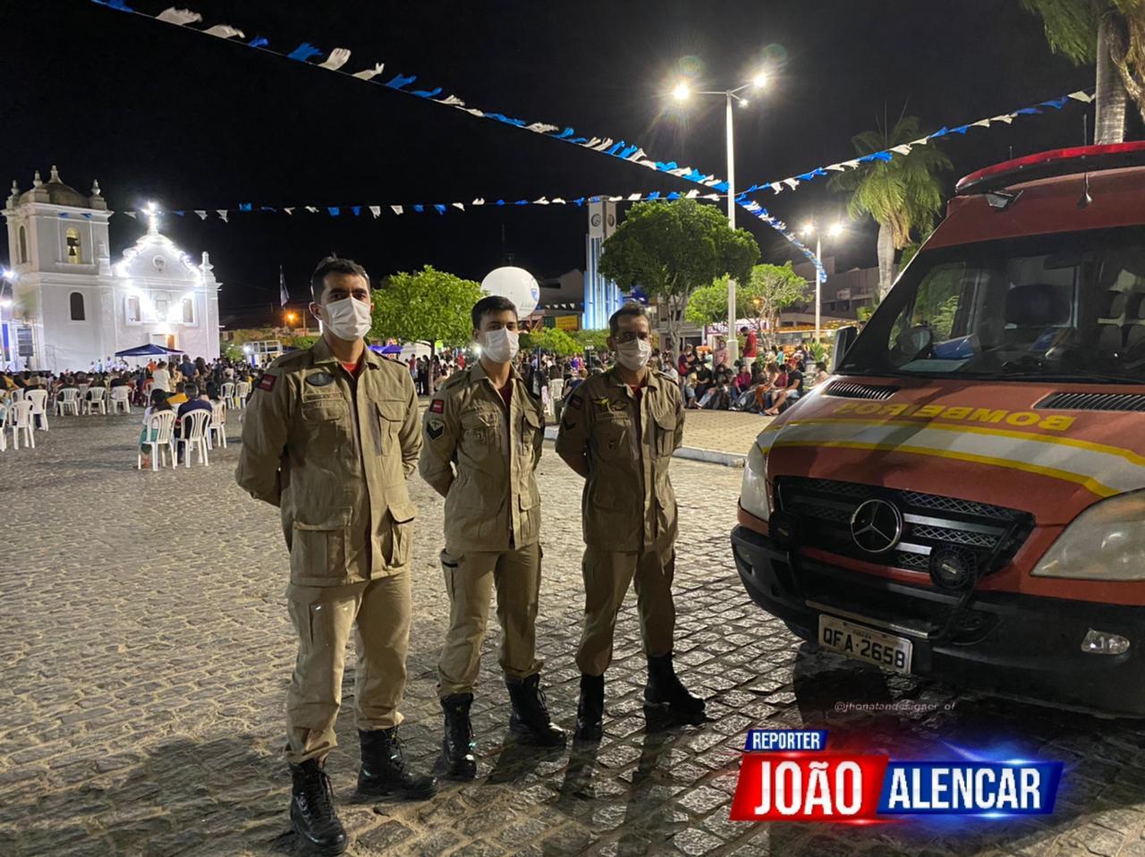 Neste sábado (25), o Corpo de Bombeiros Militar da Paraíba, através da 2ª CBM/6º BBM, está realizando o serviço de prevenção da tradicional Festa do Rosário, no cento de Pombal.