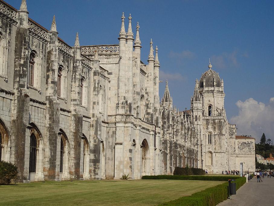 https://i0.wp.com/www.joaoleitao.com/fotografias-lisboa/imagens/2011/11/mosteiro-jeronimos-belem-lisboa.jpg