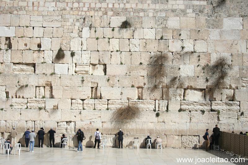 Templo de Salomão e Muro das Lamentações são considerados os lugares mais sagrados para os judeus
