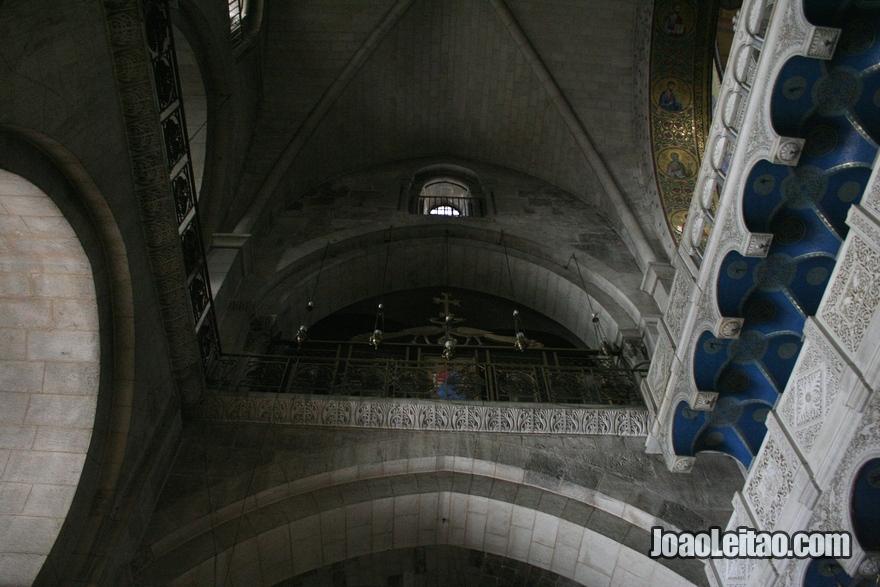 Foto do local onde Jesus foi crucificado em Jerusalém