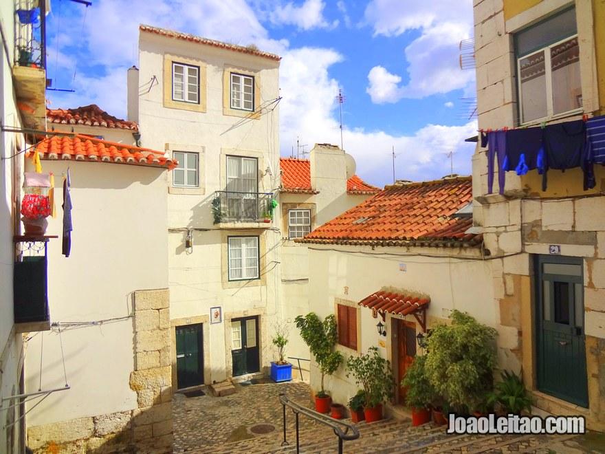 Foto do Bairro de Alfama em Lisboa