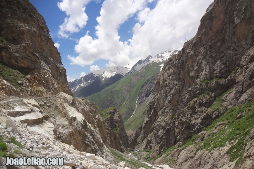 Caminho até à cidade de Kalaichum, Visitar o Tajiquistão