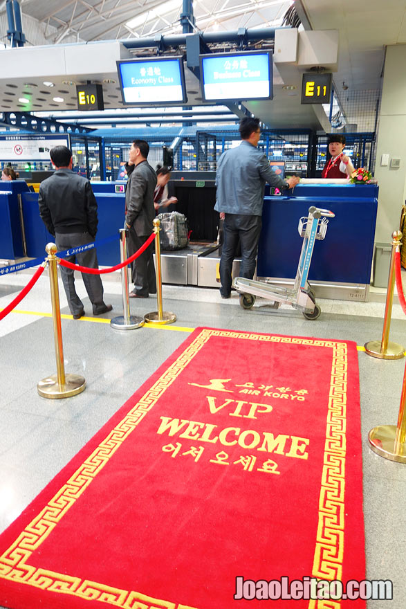A passadeira vermelha da Air Koryo, a companhia aérea da Coreia