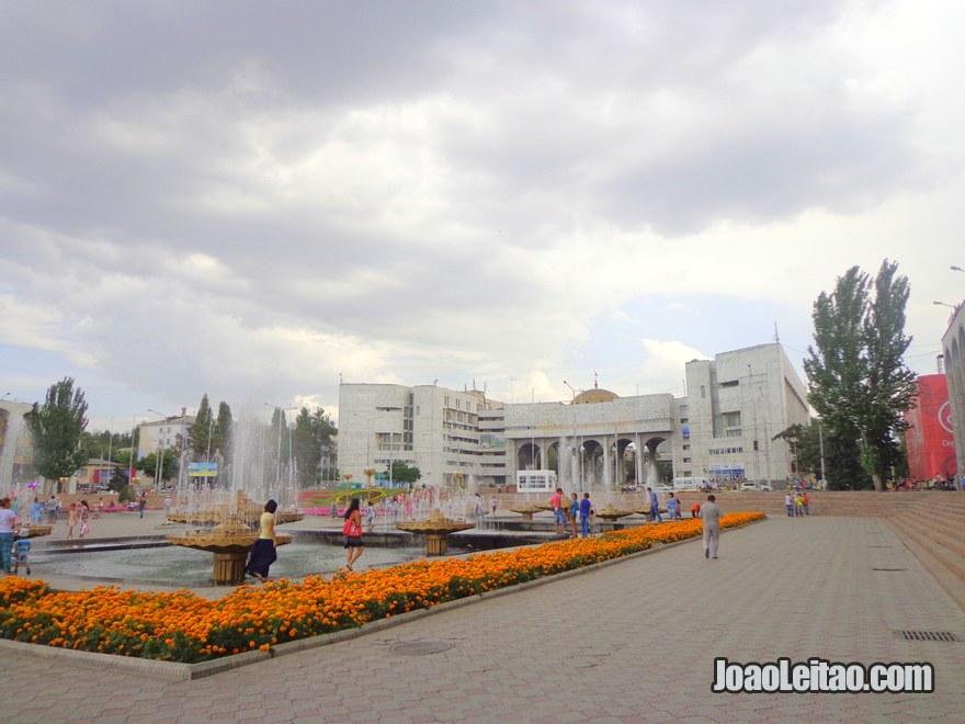 Fonte no centro de Bishkek