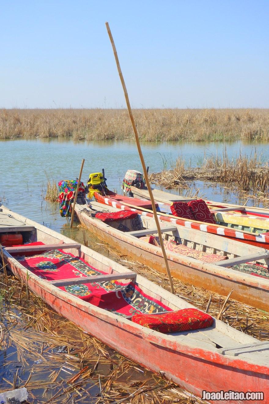 Barcos nos pântanos do Iraque