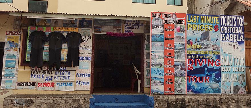 Agência em Puerto Ayora com preços especiais para passeios diários nas Galápagos