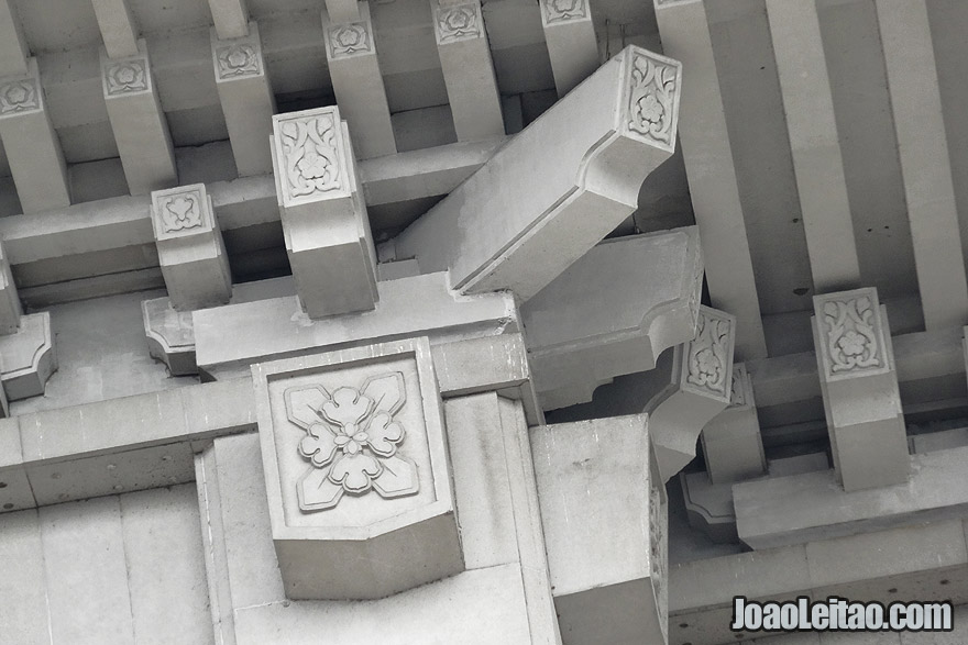Stylized and sober details in Korean Koryo architecture