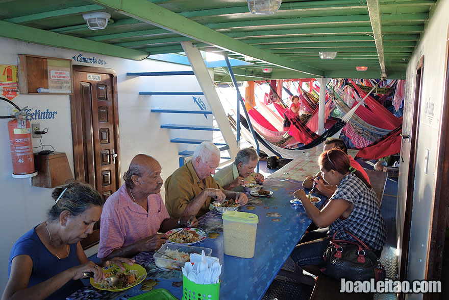 Lunch in Boat Luiz Afonso