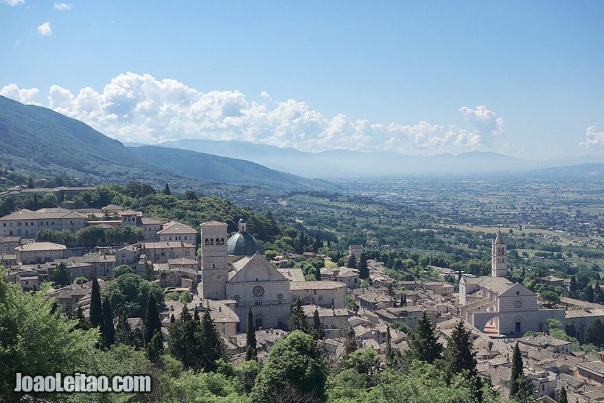 Vista de Assisi em Itália
