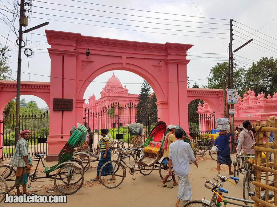 O Palácio cor-de-rosa em Daca