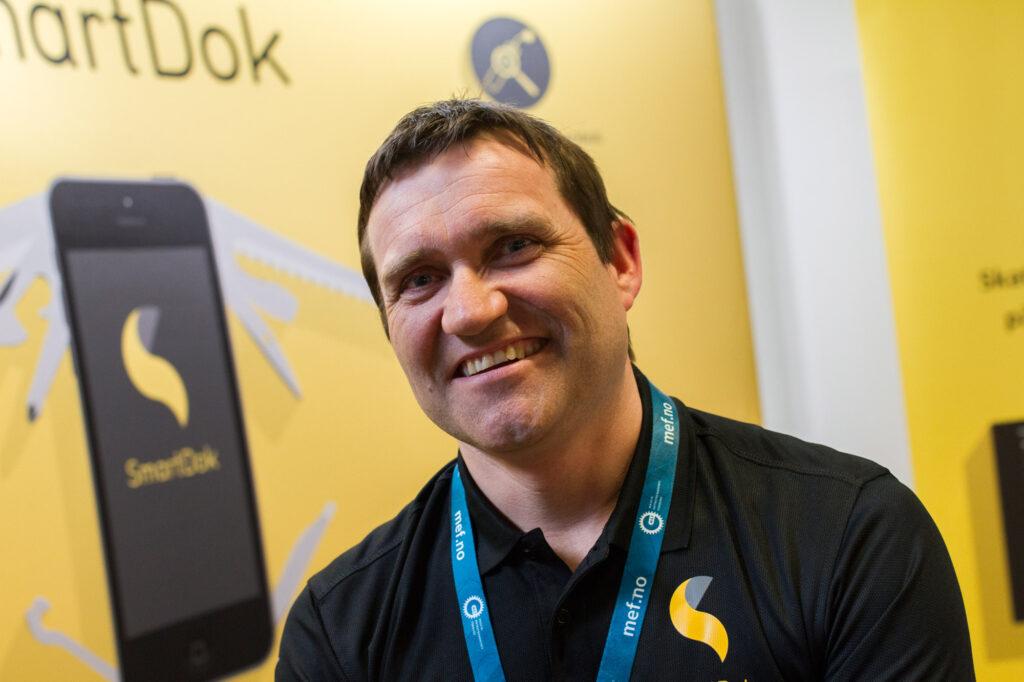 Salgssjef Per Tore Hansen håper mange kommer innom SmartDok sin stand under messen.