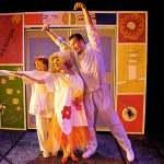 (L-R) Kari Goetz, Katrina Stevenson and Kevin Spooner in Jobsite's The Mineola Twins. (Photo by Brian Smallheer.)