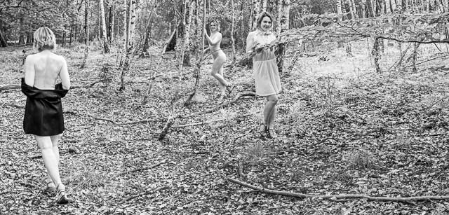 Sarina im Wald