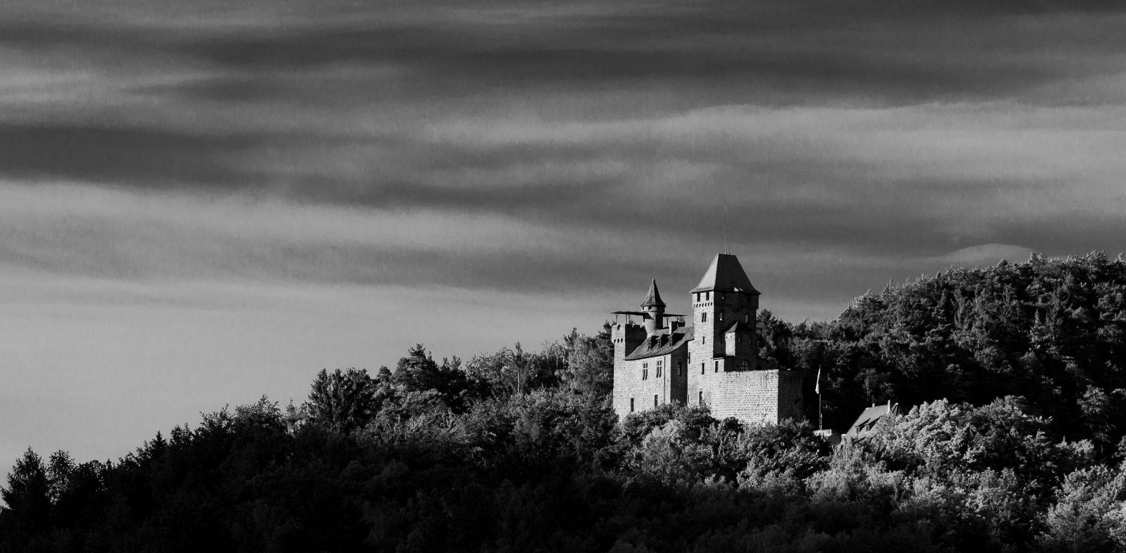 Burg Berwartstein im Morgenlicht